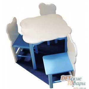 Стол и два стула